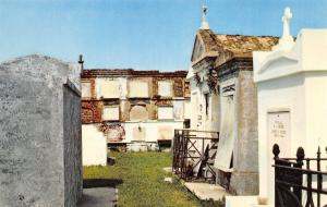 New Orleans Louisiana~St Louis Cemetery~1960 Postcard
