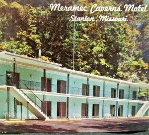STANTON MO Meramec Caverns Motel Jesse James Newpaper Machines Vtg Postcard