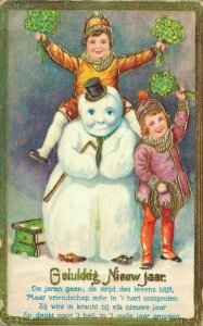Happy New Year - Kids With Snowman 04.35