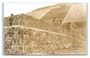Postcard Pyramid of the Sun, San Juan Teotihuacan, Mexico visitors RPPC Y62