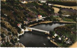 CPA CROZANT Le Pont Neuf sur la Creuse - Vue Aerienne (1143987)