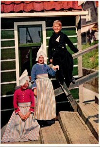 Netherlands Volendam Locals In Tradition Costume