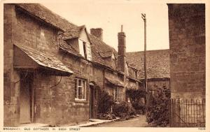 Broadway Old Cottages in High Street Maisons