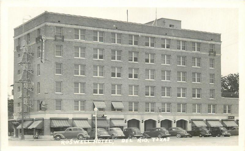Del Rio Texas~Roswell Hotel~School Zoine~Barber Shop~Cafe~Nice 1940s Cars RPPC