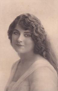 Victorian woman's portrait , 00-10s