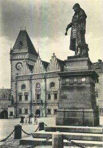 Postcard CZECH REPUBLIC Tabor la place zizka hotel de ville statue monument city