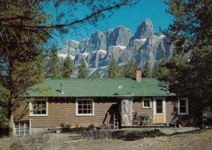 MOUNT EISHENHOWER , Alberta , Canada , 1950-70s ; Youth Hostel