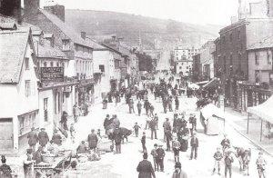Shropshire Daily Star Newspaper Fair Day Broad Street Newtown Postcard