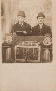 RP: 2 men in Photo Studio automobile prop , 00-10s