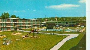 Postcard Holiday Inn West, Milwaukee, WI