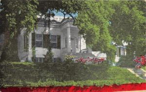 Natchez Mississippi~Green Leaves House~Lush Landscaping in Front~1940s Postcard