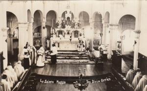 RP: REGINA , Sask. , Canada , 00-10s ; La Sainte Messe, The Divine Office