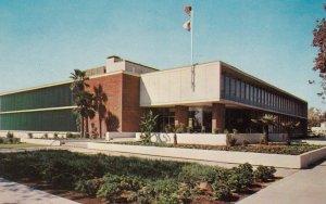 BAKERSFIELD , California , 50-60s ; City Hall