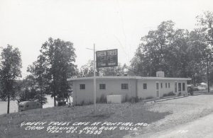 RP: PONTIAC , Missouri , 1930-40s ; Green Trees Cafe