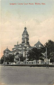 LP13   Wichita   Kansas Postcard Sedgwick County Court House