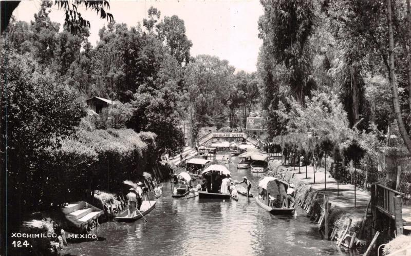XOCHIMILCO D F MEXICO BOATS ON CANAL #124 REAL PHOTO POSTCARD 1940s