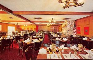 Sun City California Del Webbs Kings Inn Interior Vintage Postcard K33771
