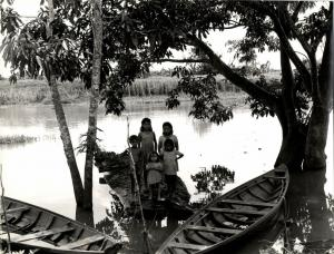 brazil, MANAOS, River Life (1943) Large 9.4 x 7.8 inch Real Photo (2)