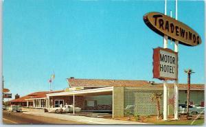 Fresno, California Postcard TRADEWINDS MOTOR HOTEL Highway 99 Roadside c1960s