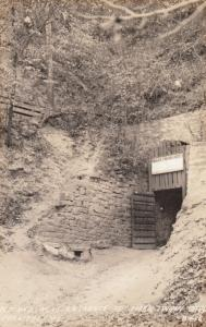 RP: HANNIBAL , Missouri , 30-40s; Old & New Entrance To Mark Twain Cave