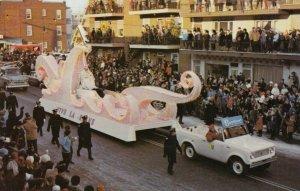 Carnaval De Quebec , Canada , 1950-60s ;  La REINE Float