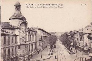 Le Boulevard Victor-Hugo, Au Fond, Le Grand Theatre Et La Tour Mague, Nîmes ...
