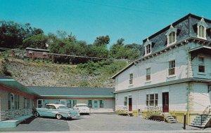 STE. ANNE DE BEAUPRE, Quebec, 1950-1960s; Ste. Anne Cabins - Tourist Flats