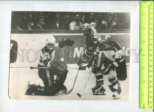 434577 Prague ice hockey teams Czechoslovakia Germany Stastny 1978 TASS