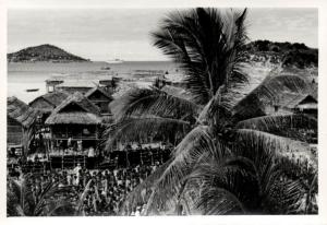 Papua New Guinea, Real Photo Native Papuas, Native Village (1930s) RP (31)