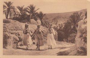 BOU-SAADA , Algeria , 00-10s ; 3 girls
