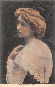 Miss Alice de Winton, English actress, Hull Royal Infirmary, 1904