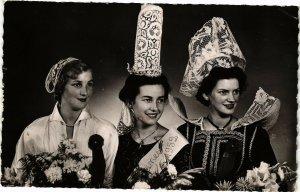 CPA En Bretagne - Les Reines de Cornouaille (194281)