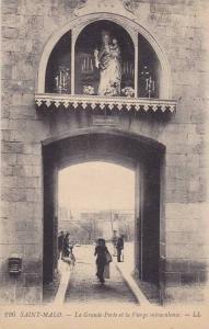 SAINT-MALO - La Grande Porte et la Vierge miraculeuse, France, 10-20s