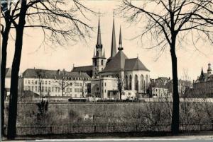 Luxembourg La Cathédrale et l'Athénée 02.75