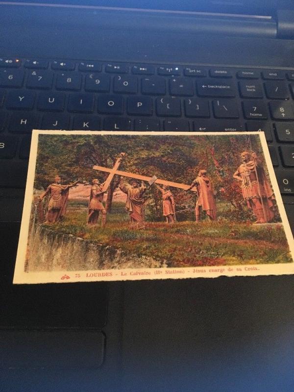 Vintage Postcard: 75 Lourdes Le Calvalre , Jesus Enarge De Sa Croix