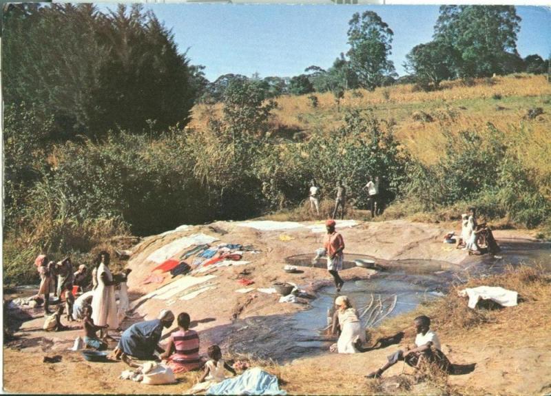 Angola, Femmes faisant la lessive en Angola, 1970s used