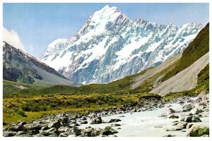 NEW ZEALAND Postcard - Mount Cook & the Hooker River (C13) Continental Size