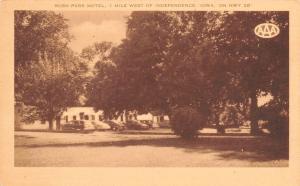 Independence Iowa~Rush Park Motel~Roadside US 20~1940s Station Wagon~Cars~Artvue
