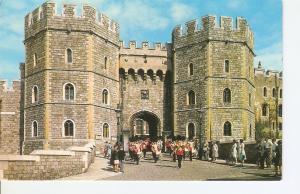 Postal 030925 : Henry VIII Gateway Windsor