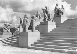Norway Norge Oslo Plataet ved Monolitten Vigelandsanlegget Statues