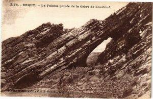 CPA ERQUY - La Falaise percée de la Gréve de Lourtoué (243026)
