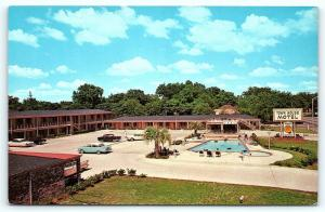 Postcard GA Albany 1950's View Town House Motel Old Cars