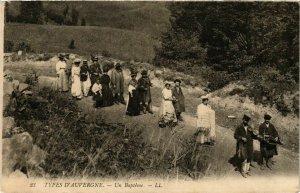 CPA Types d'Auvergne Un Baptéme FRANCE FOLKLORE (789132)