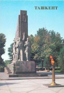 Uzbekistan Tashkent monument to 14 Turkestan commissars postcard