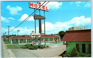 CORTEZ, Colorado CO  Roadside TOMAHAWK LODGE  Motel Pool c1960s  Postcard