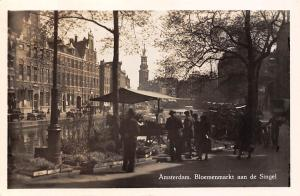 Netherlands Amsterdam Bloemenmarkt aan de Singel, auto cars, flower market 1952