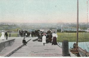 S. ANNE DE BEAUPRE, Quebec, 00-10s; People Gathered on the Pier