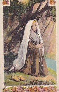 France Lourdes Sainte Bernadette en Priere