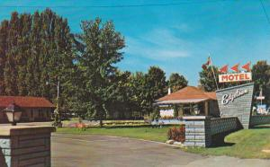Swimming Pool,  Edgetown Motel,  Pembroke,   Ontario,  Canada,  40-60s
