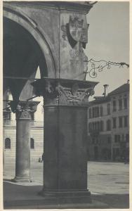 Italia Belluno Palazzo della R. Prefettura Particolare di un Capitello